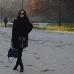 Look do dia: Casaco de lã e saia em Milão