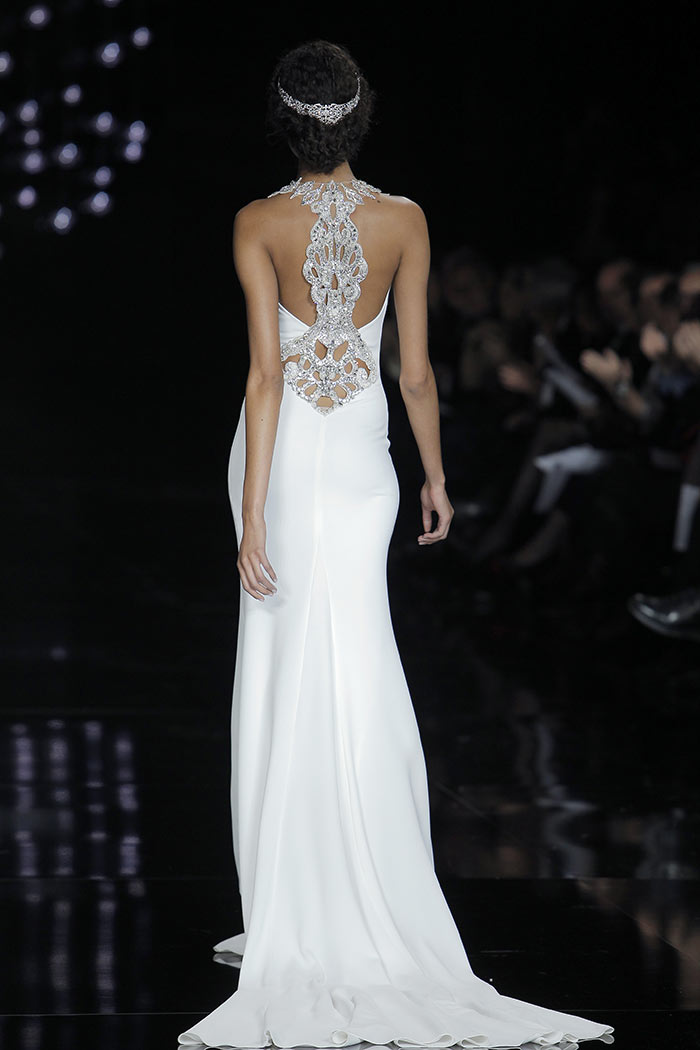 Vestido de noiva minimalista - costas