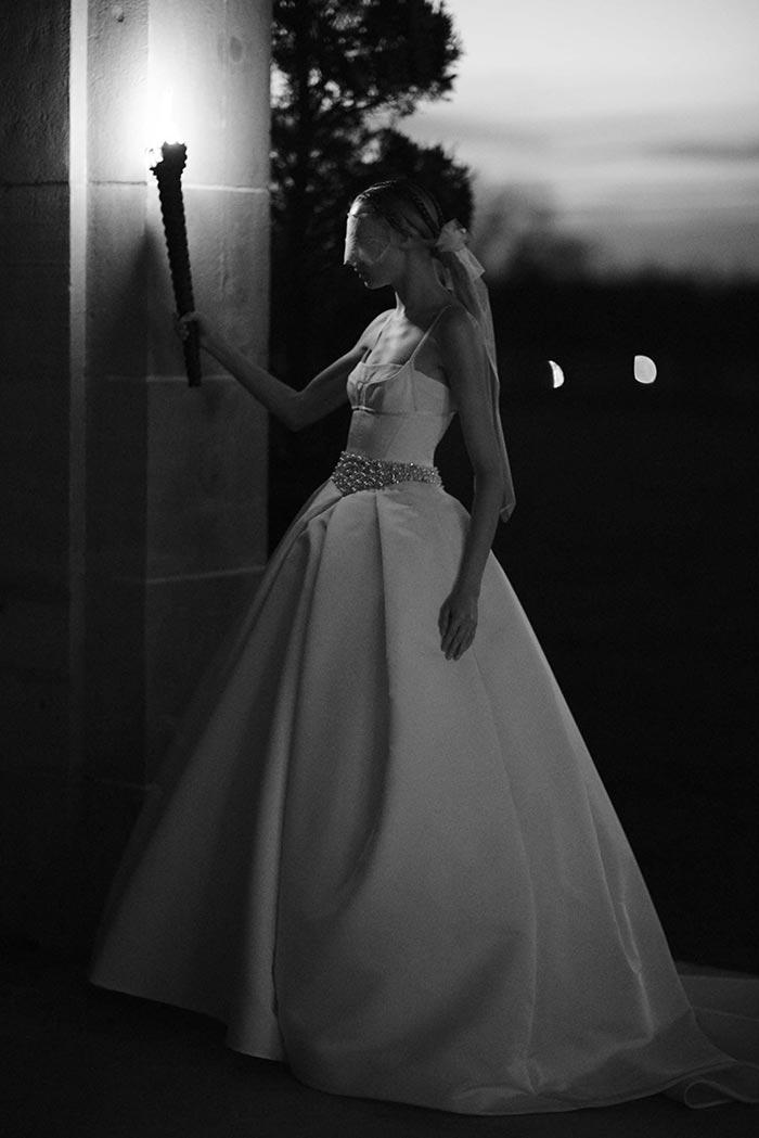 Vestido de noiva com saia com volume