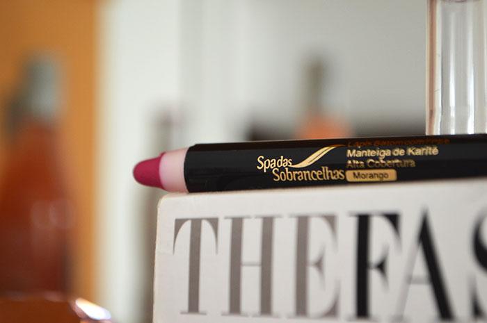 Lápis batom do Spa das Sobrancelhas
