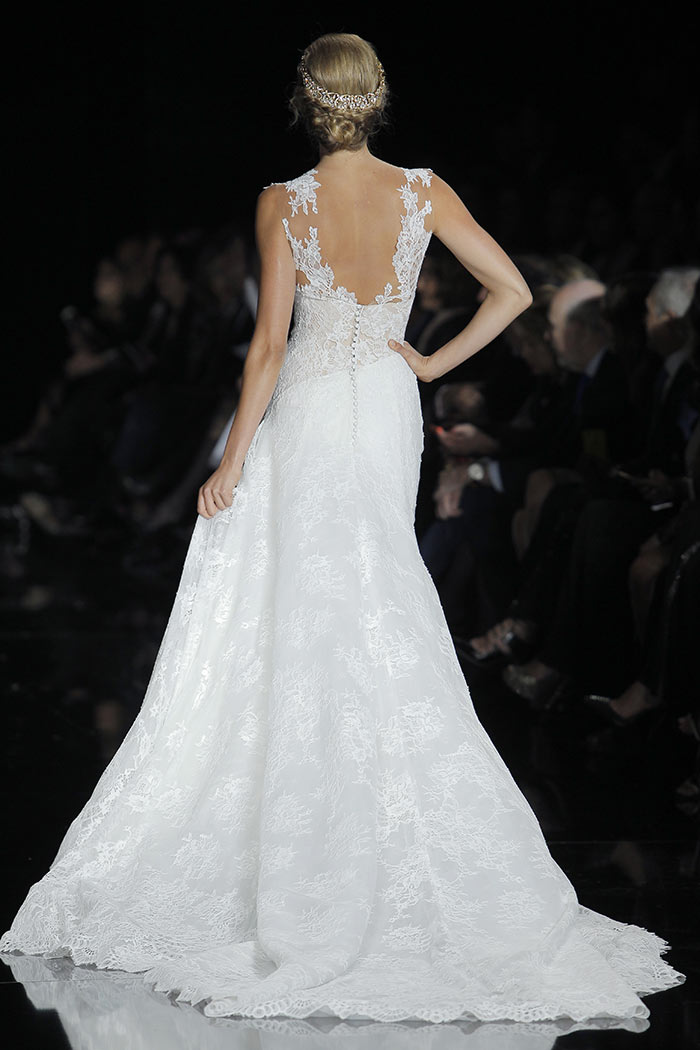 Vestido de noiva com decote V