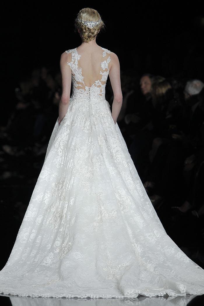 Vestido de noiva com renda delicado