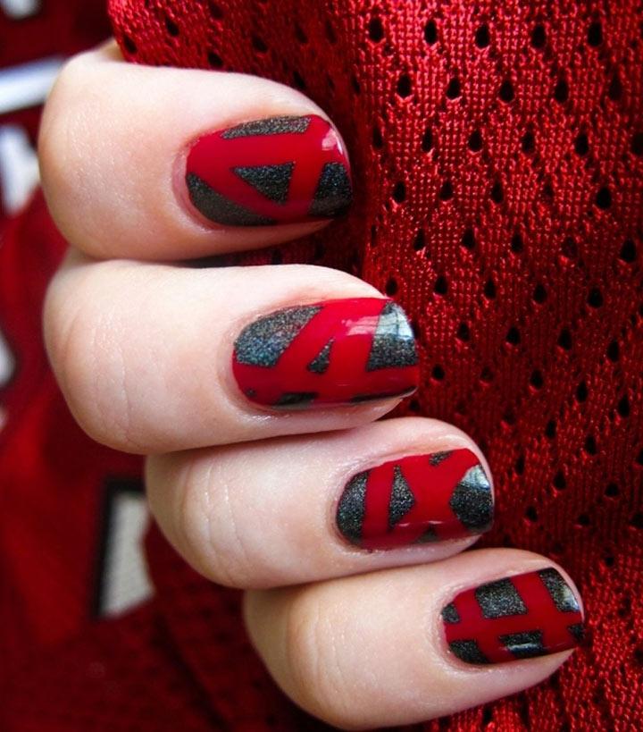 Unhas decoradas vermelhas com cinza