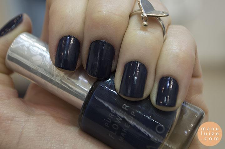 Esmalte azul Labo
