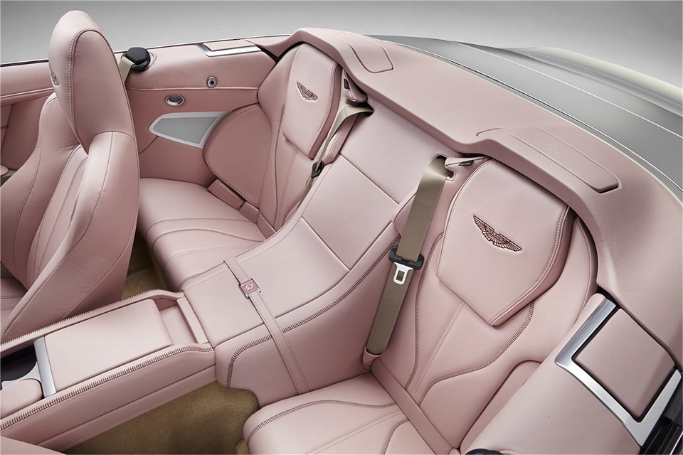 Aston Martin Q DB9 em pink