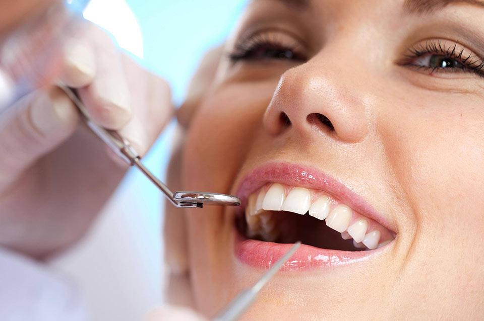 Clareamento dental a laser: passo-a-passo