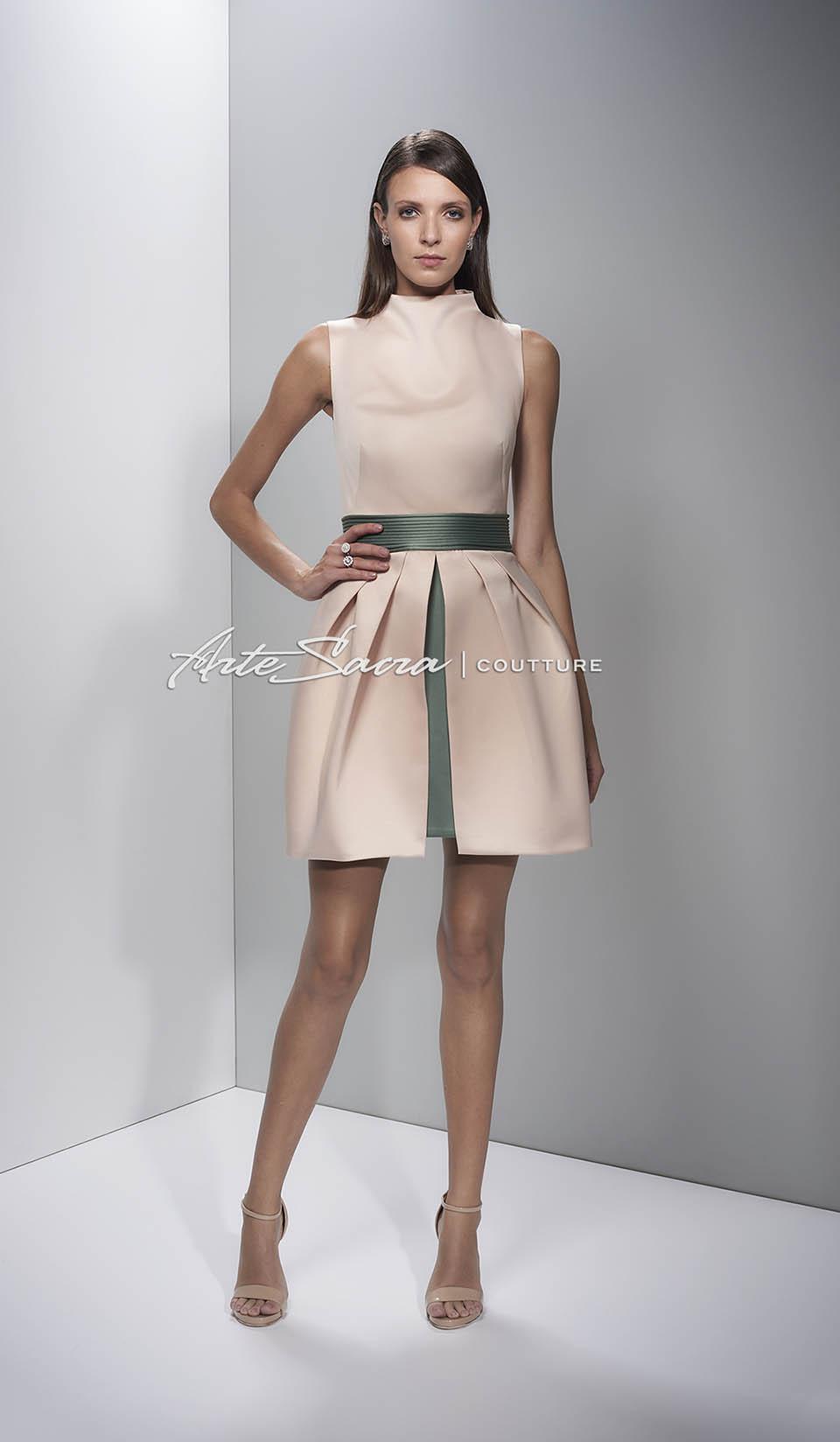 Vestido de formatura curto para convidada