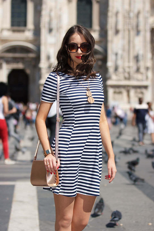 Vestido listrado -look em Milão