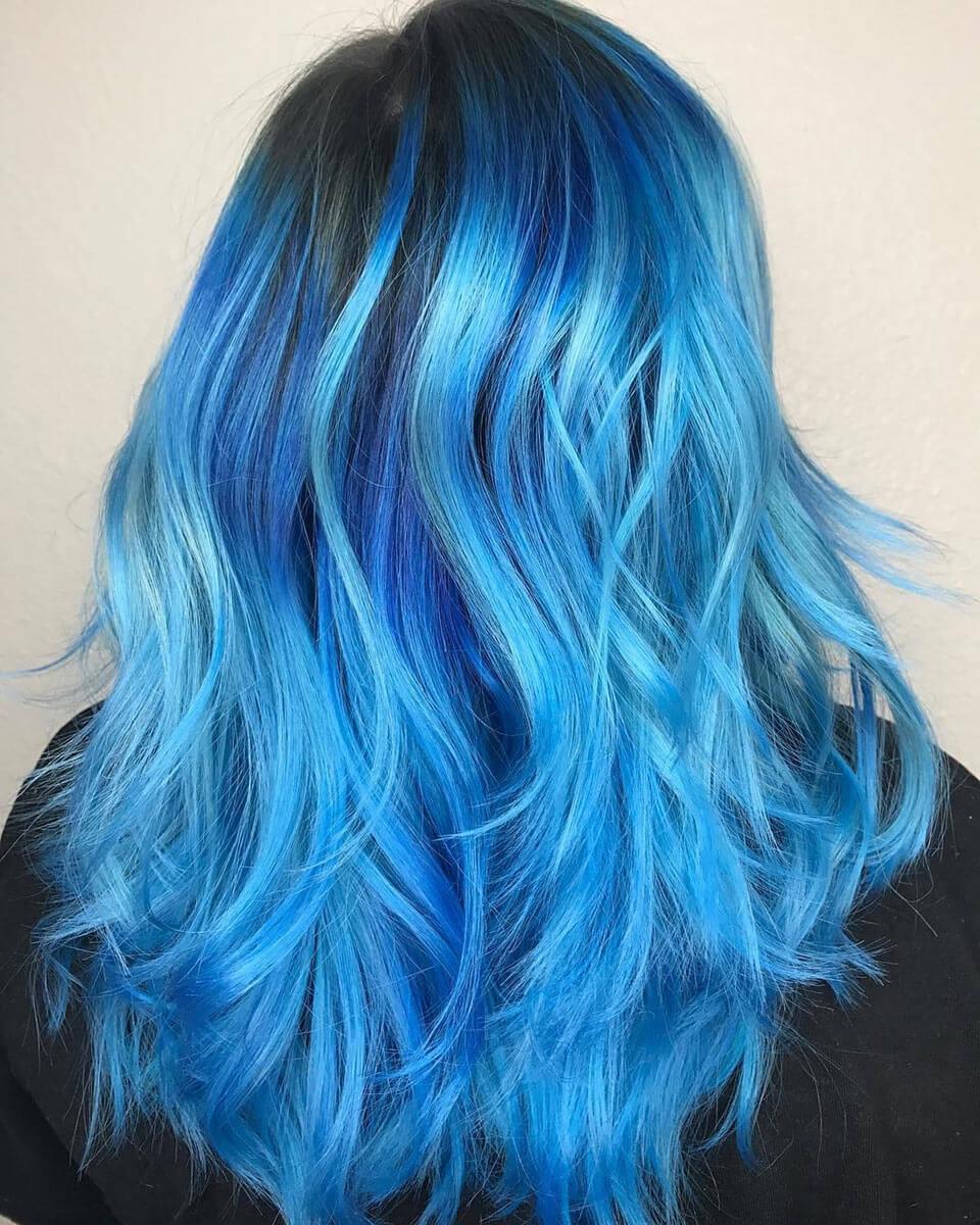 Azul em Cabelos coloridos