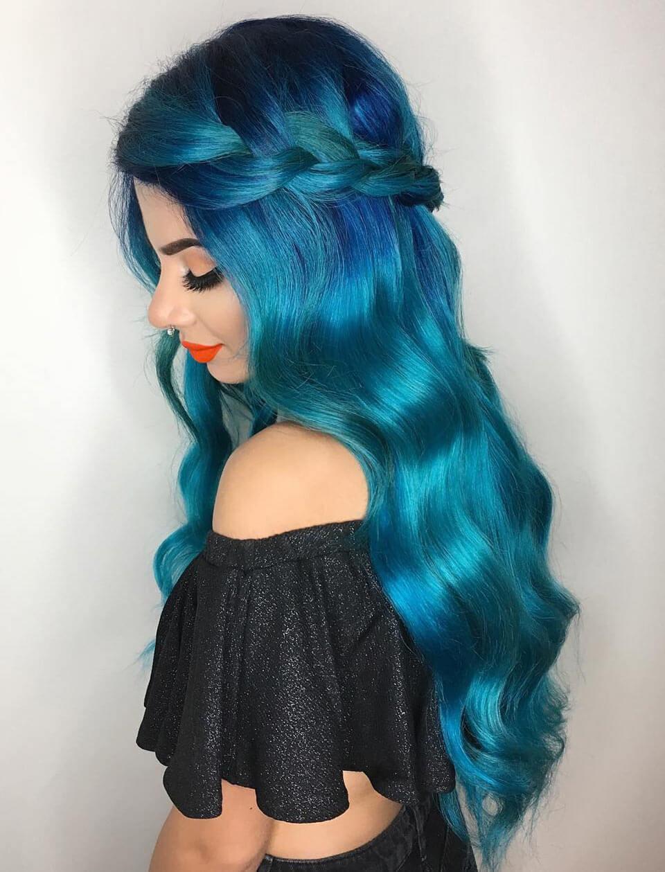 Cabelo azul colorido