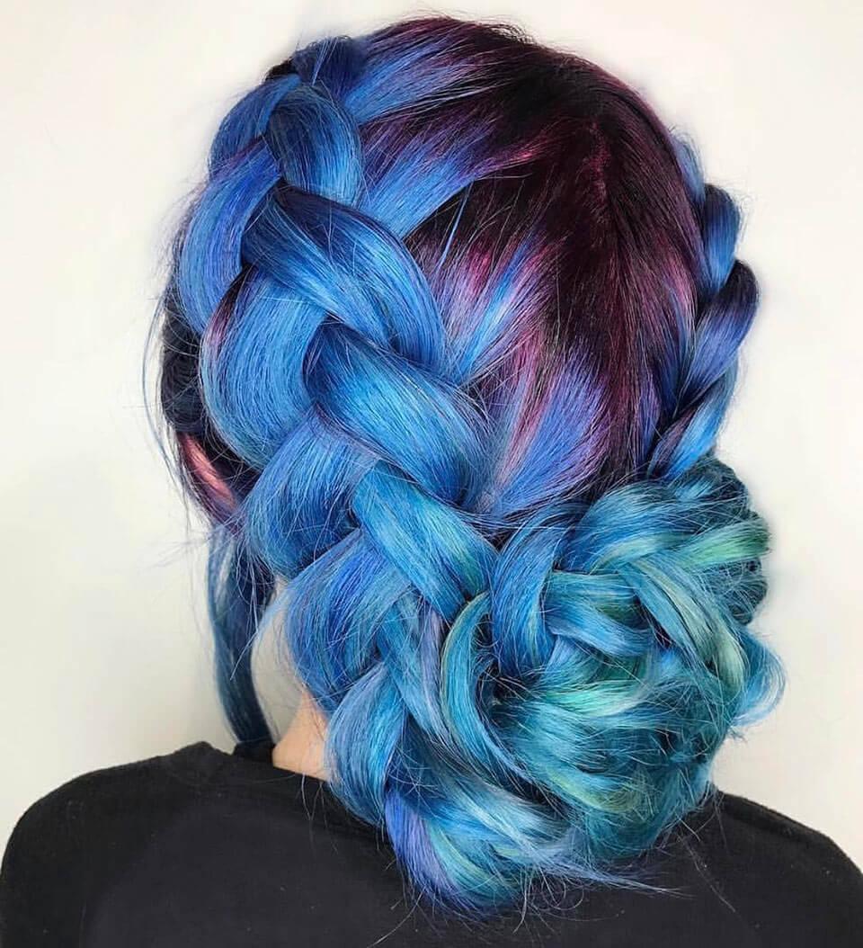 Cabelos coloridos: cabelo azul