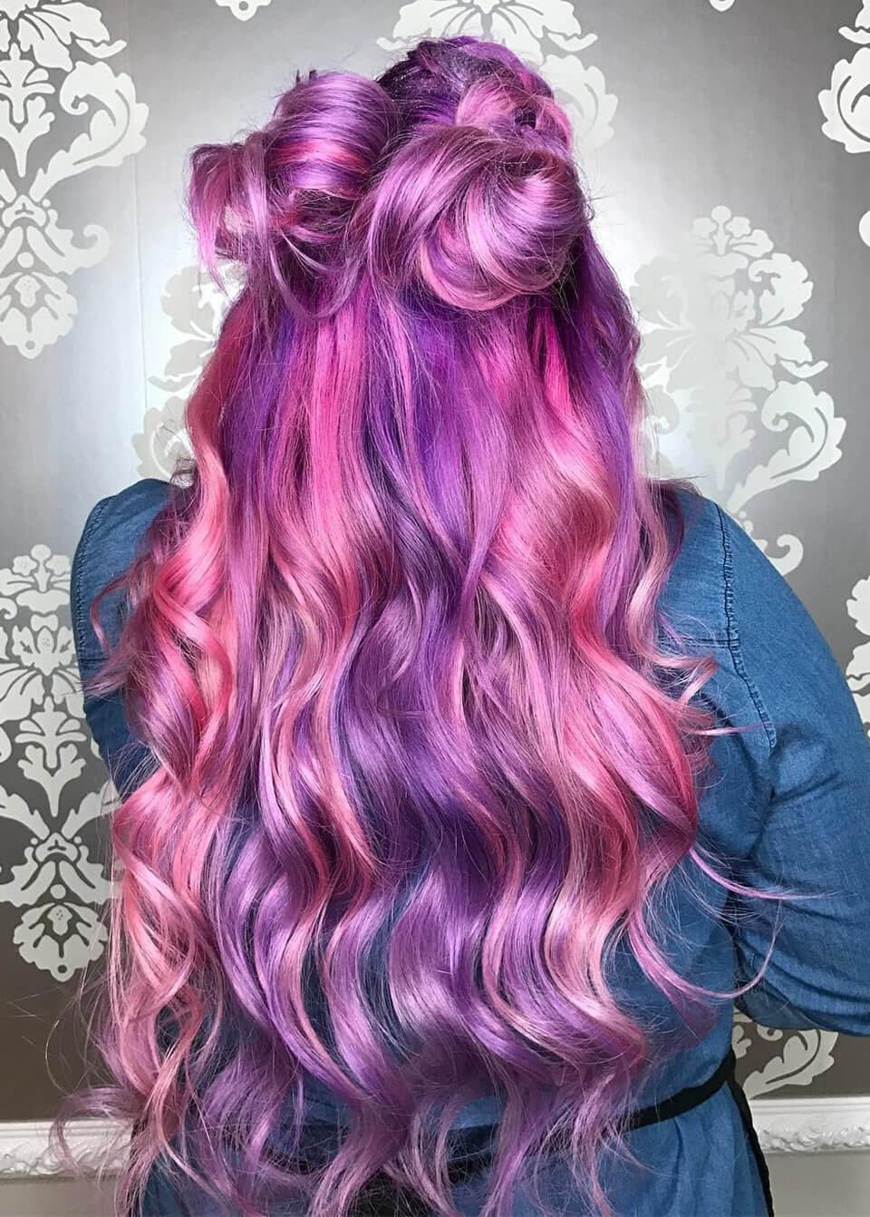 Cabelos coloridos: Rosa e roxo