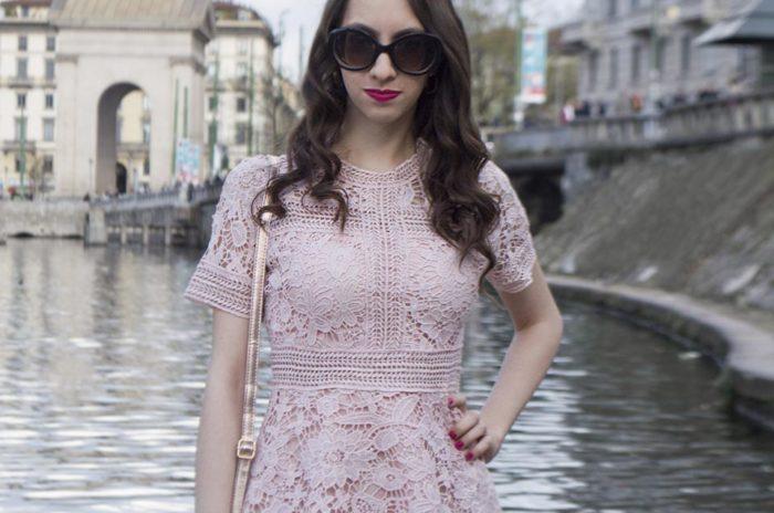 Vestido em renda rosa - look