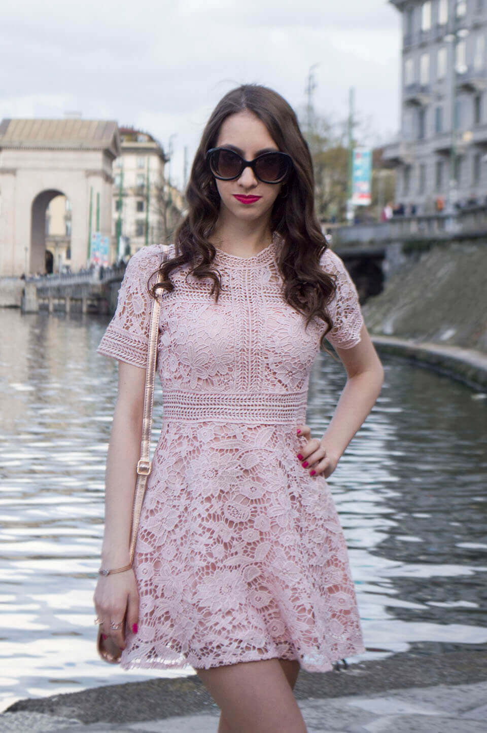 Pink lace dress - Manu Luize outfit