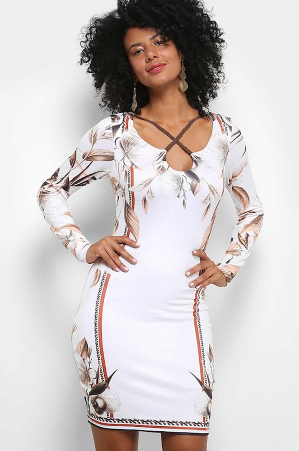 Vestido branco curto estampado