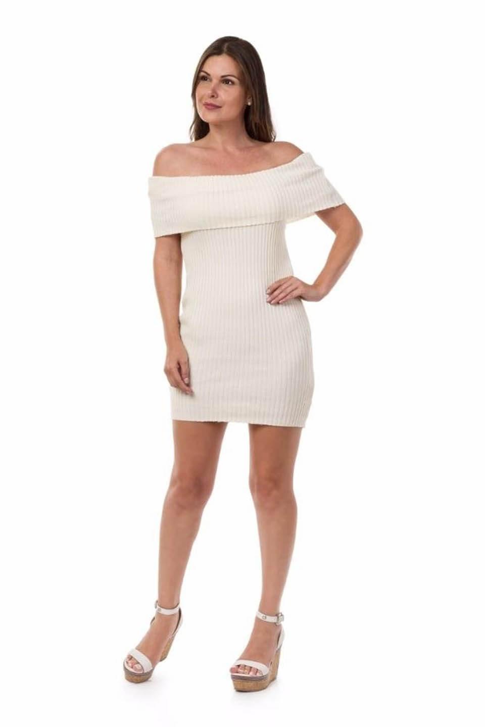 Vestido branco curto de tricô