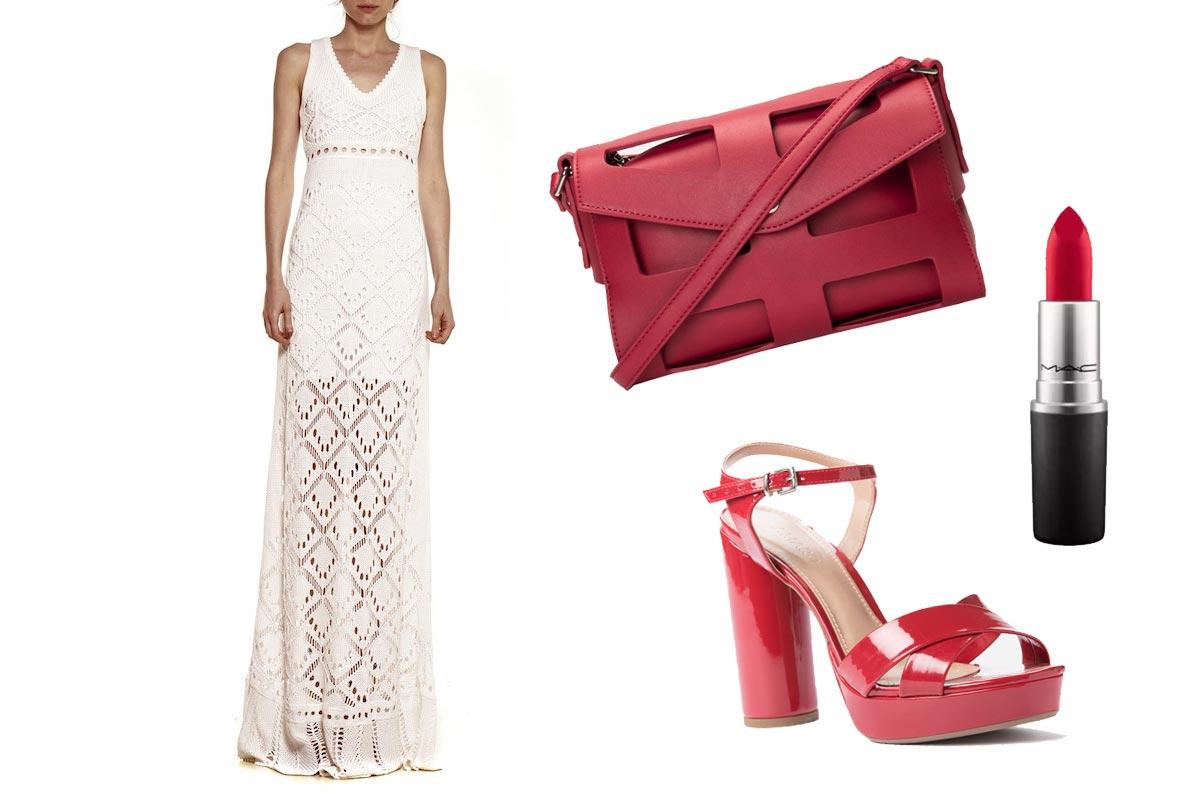 Vestido branco longo e acessórios em vermelho