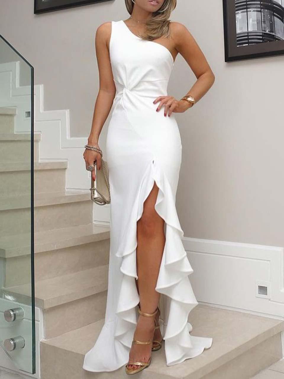 Vestido branco longo com fenda
