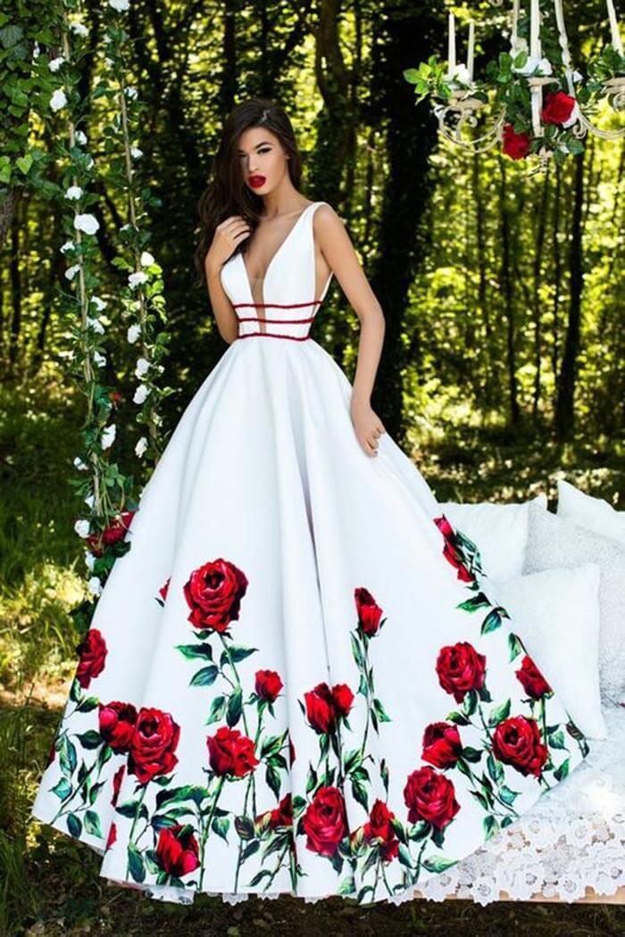 Vestido longo branco com flor
