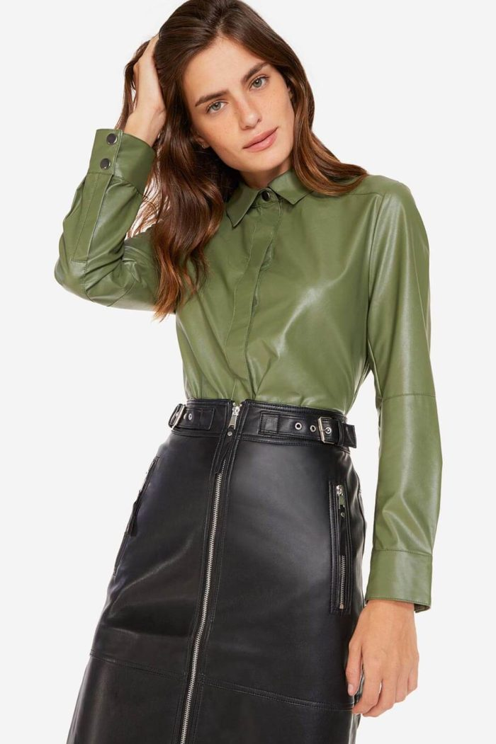 Camisa feminina: verde militar