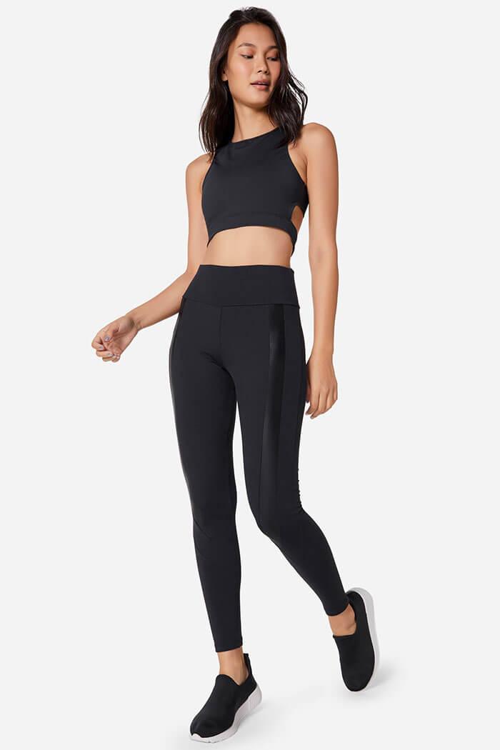 Roupa de pilates com legging