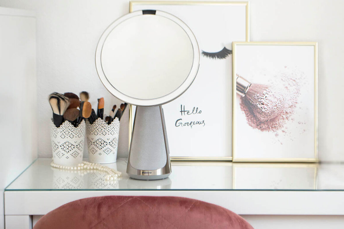 Makeup mirror with lights - Simple Human