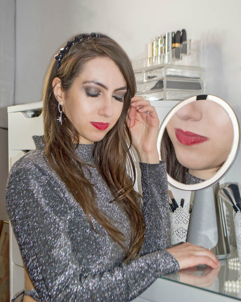 Makeup mirror with lights: Simple Human mirror Sensor Hi Fi